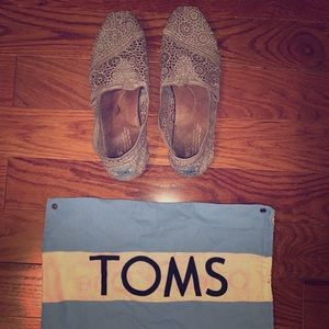 Gray Slip On Toms Eyelet Lace with Bag